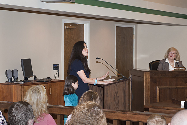 Emiko speaking to the Mayor and City Council.